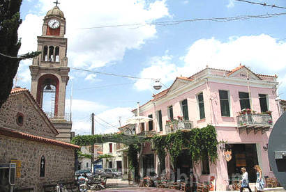 The square of the town of Mandamados (Mantamados)